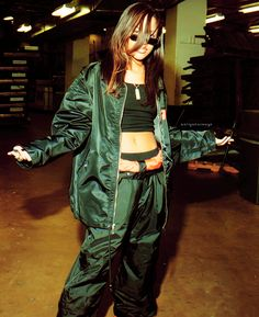 I want to be Aaliyah . Style Aaliyah, Aaliyah Outfits, Rip Aaliyah, Emo Outfits, 2000s Fashion, Hip Hop Fashion, Fashion Music, Punk Fashion, Lolita Fashion