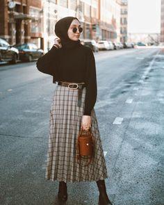 Casual Hijab Outfit, Hijab Dress, Hijab Fashion, Style Fashion, Midi Skirt, Skirts, Pants, Jokes, Outfits