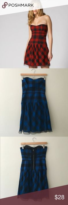 AEO BLUE Buffalo Check Dress AEO Buffalo check strapless dress in blue/black. (Model is wearing red to show how dress looks on - actual listing is blue/black). Size 4. Sold out in stores. Excellent condition!!! American Eagle Outfitters Dresses Strapless