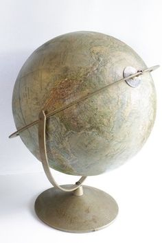Vintage Replogle Globe by GingersGirl on Etsy World Globe Map, World Globes, Map Globe, Vintage Globe, Vintage Maps, Interactive Globe, Spinning Globe, Travel Collage, Steampunk House