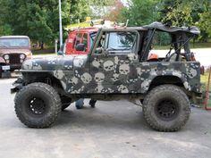 Skull camo on a Jeep!