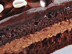 Bolo de amendoim com paçoca e chocolate por andreza_kaynho_2012 | Tortas e Bolos | Receitas.com