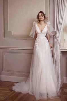 Fitted Prom Dress, Chic Bridal Wear , We carry the best designer prom dresses! Cheap Mermaid Prom Dresses, Fitted Prom Dresses, Vintage Formal Dresses, Wedding Dresses With Straps, Designer Prom Dresses, Tea Length Wedding Dress, Gala Dresses, Dream Wedding Dresses, Bridal Dresses