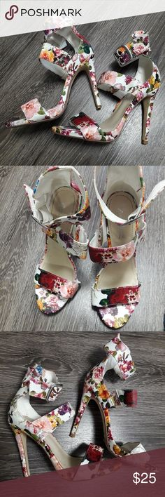 Floral print heels by Anne Michelle 7 In wonderful condition,  these floral heels are everything😍 perfect for spring and summer!! Anne Michelle Shoes