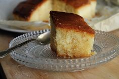 Semolina cake soaked in sugar syrup/ Ρεβανί πολίτικο Semolina Cake, Greek Recipes, I Foods, Cornbread, Vanilla Cake, French Toast, Sugar, Cooking, Breakfast