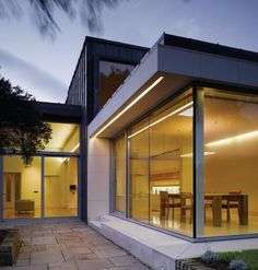 Extension to a Period house in Dublin by Studio M Architects. Box Architecture, Residential Architecture, Decor Interior Design, Interior Decorating, Dublin House, 1940s Home, House Extensions, Architects, Terrace