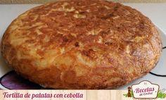 Tortilla de patatas con cebolla -  Posiblemente, estemos hablando de una de las recetas gastronómicas más conocidas fuera de nuestro país, la tortilla de patatas con cebolla. Comerla como pincho a media mañana acompañada de una cerveza o tinto de verano bien frío, comerla para cenar acompañada de una ensalada, etc… La torti... - http://www.lasrecetascocina.com/tortilla-de-patatas-con-cebolla/