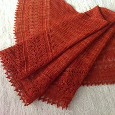 Ravelry: PaulinaP's Autumn Leaf for Loop's '10'