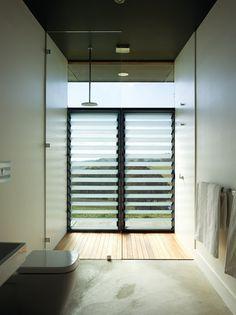 hampton farmhouse   bathroom ~ noxxon giffen architects