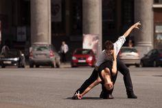 Учимся танцевать Сальсу в коммуникаторе. vk.com/salsa_commclub