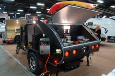 30 Great Picture of Teardrop Trailer Interior. The trailer includes all you need except a generator. You can quite readily customize about any portion of this trailer. Teardrop trailers can be diff. Bug Out Trailer, Off Road Camper Trailer, Small Trailer, Trailer Build, Camper Trailers, Car Camper, Teardrop Trailer Interior, Teardrop Trailer Plans, Teardrop Campers