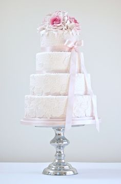 Lace Effect - simple elegance for Vintage Inspired wedding cakes