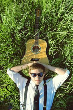 Guitar love photography <3 Senior Picture???