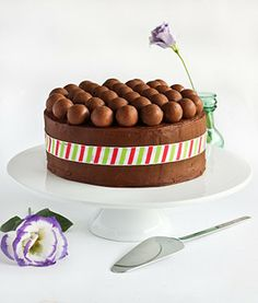 Mint Chocolate 'Aero' Cake by raspberri cupcakes, via Flickr