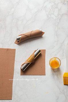 Cannoli siciliani: la Ricetta originale, trucchi e segreti passo passo Cannoli, Ricotta, Mini Pastries, Baking, Sissi, Desserts, Recipes, Ideas, Shape