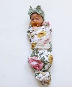 Newborn baby Pajamas keep your toddler pleasant for rest and going to bed snuggles! Have your favored design, like footie p j's and comfy pajama sets. Baby Pictures, Baby Photos, Cute Kids, Cute Babies, Baby Kind, Baby Baby, Everything Baby, Baby Family, Baby Girl Fashion