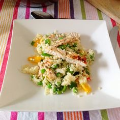 Healthy Living in Heels: Greek Chicken with Couscous and Tzatziki based on Jamie Olivers 15 minute meals 15 Min Meals, Quick Meals, Chicken Couscous, Chicken Salads, Jamie Oliver 15 Minute Meals, Healthy Foods To Eat, Healthy Recipes, Couscous Recipes, Appetizer Salads