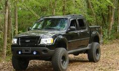 Ford Sport Trac, Ford 4x4, Sport Cars, Lifted Ford Explorer, Ford Explorer Sport, Cool Trucks, Big Trucks, Sports Track, Truck Camping