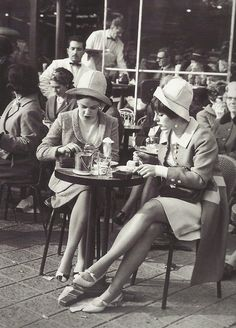 ladies in cafes | Two fine ladies at a cafe on the Champs-Élysées, 1960s