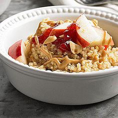 Try this quinoa breakfast for a gluten free swap for oatmeal. Topped with peanut butter, jelly, sliced fruit and peanuts, this breakfast quinoa will keep you energized for hours. Cheap Healthy Breakfast, Vegetarian Breakfast, Breakfast Bowls, Quinoa Breakfast, Free Breakfast, Breakfast Time, Breakfast Ideas, Gluten Free Peanut Butter, Peanut Butter Recipes