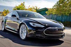 Tesla Model S, il fenomeno dell'auto elettrica - sbancando in USA e vuole conquistare l'Europa. Prestazioni da vera sportiva e autonomia elevata http://www.auto.it/2014/04/14/tesla-model-s-il-fenomeno-dellauto-elettrica/20754/