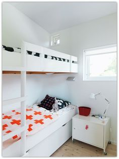 """Explore our internet site for even more info on """"bunk beds built into wall small spaces"""". It is an exceptional area to read more. White Bunk Beds, Bunk Beds Built In, Modern Bunk Beds, Kid Spaces, Small Spaces, Decoracion Low Cost, Bunk Rooms, Scandinavian Home, Awesome Bedrooms"""