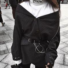 street korean fashion looks stunning . Korean Fashion Trends, Korea Fashion, Asian Fashion, Look Fashion, Fashion Design, Fashion 2020, Fashion Men, Fashion Bloggers, Fall Fashion