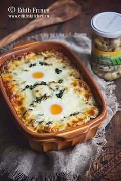 Romanian Food, Romanian Recipes, Mozzarella, Spinach Recipes, Food And Drink, Cooking, Ethnic Recipes, Pizza, Foods