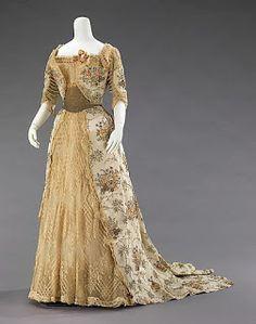 Französisches Abendkleid um 1900,   Met Museum