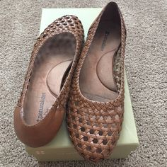 Naturalizer weave flats New condition. Naturalizer Shoes Flats & Loafers