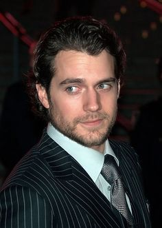 New '50 Shades of Grey' Unofficial Movie Trailer Casts Henry Cavill as Christian Grey