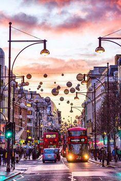 Weihnachten in London, England - Busfahrten City Of London, London Photography, Travel Photography, Pays Europe, London Fotografie, Weihnachten In London, Travel Around The World, Around The Worlds, Places To Travel