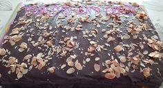 Fondant, Relleno, Chocolate, Victoria, Desserts, Food, Almonds, Crack Cake, Pastries
