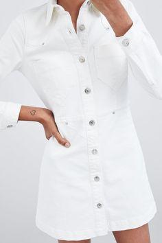 Levy Svart mjuk stickad klänning med strass och bred