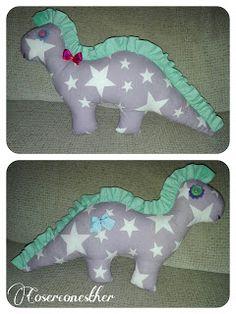 CoserconEsther: Dinosaurio de tela Dinosaur Stuffed Animal, Animals, Fabric Dolls, Coin Purses, Fabrics, Animales, Animaux, Animal, Animais