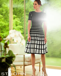 Beautiful black and white graphic print A-line dress.
