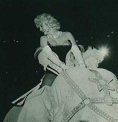 Marilyn at a Madison Square Garden Charity Circus Gala. Photo by Ed Feingersh, March 1955.