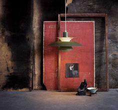 Buy PH 5 Pendant Lamp from Poul Henningsen for Louis Poulsen now at Connox Shop. Wabi Sabi, World Of Interiors, Chandelier Pendant Lights, Pendant Lamp, Interior Architecture, Interior And Exterior, Interior Styling, Interior Decorating, Scandinavia Design