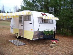 VINTAGE CAMPER AWNING by Sew Country Awnings yellow/white