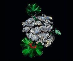 JAR geranium brooch, 2007 - private collection - by bethbejeweled on IG via Jewels du Jour also on IG - from the upcoming MET show #JARparis #JARjewels #jewelsofJAR #thejewelsofJAR #JoelArthurRosenthal #JAR@theMET