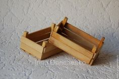 We manufacture miniature wooden boxes for harvesting Popsicle Stick Crafts, Popsicle Sticks, Craft Stick Crafts, Diy And Crafts, Paper Crafts, Pop Stick, Ideas Para Fiestas, Mini Things, Miniture Things
