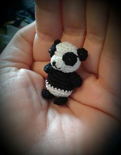 "Mini Panda - Free Amigurumi Crochet Pattern - PDF File German and English - Click to ""download"" here: http://www.ravelry.com/patterns/library/panda-33"