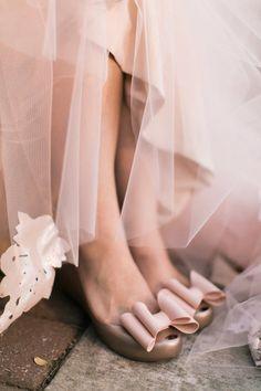 Dress: Carol Hannah Custom Gown and Jacket | Wedding Planner: Color Pop Events | Photographer: Haley Sheffield | Event and Floral Designs: Juli Vaughn Designs