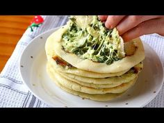 La boca se hace agua con estas PUPUSAS de QUESO! - Receta FÁCIL - YouTube Food Network, Cooking Time, Cooking Recipes, Rich Recipe, Mediterranean Dishes, Latin Food, Avocado Toast, Food Videos, Breakfast Recipes