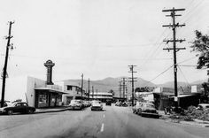 Kapahulu Avenue in March 1959.