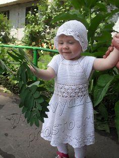 Платье, кофточка и панамка http://www.vyazanieprosto.ru/vyazanie-dlya-detey/beloe-plate-koftochka-i-panamka/