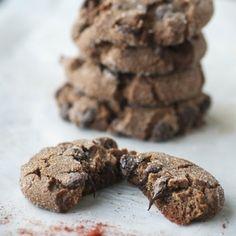 Συνταγή για αρχάριες: λαχταριστά μπισκότα με δάκρυα σοκολάτας