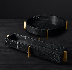 Mataro Marble and Brass Trough Collection Mataro Marmor- und Messingwannensammlung Honed Marble, Marble Art, White Marble, Vase Deco, Marble Furniture, Photos Booth, Modern Shop, Decorative Objects, Decorative Accents