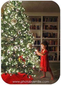 How to Take Beautiful Christmas Tree Photos by Emilie