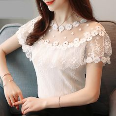 Sexy hollow lace women blouse shirt fashion 2018 new short sleeve summer women tops floral lace women's clothing blusas 0051 30 Casual Skirt Outfits, Stylish Dresses, Classy Outfits, Fashion Dresses, Fashion 2018, Fashion Women, Fashion Trends, Floral Tops, Floral Lace